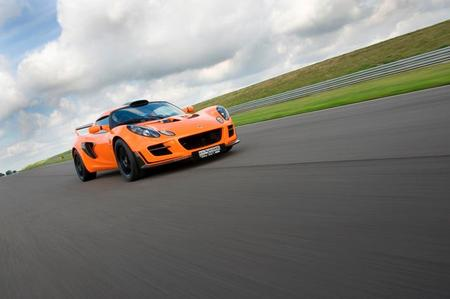 th_Lotus Exige Cup 260 MY2010 f3qtr track small.jpg